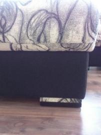Čalouněná pohovka s lenoškou STING s polohovacími podhlavníky